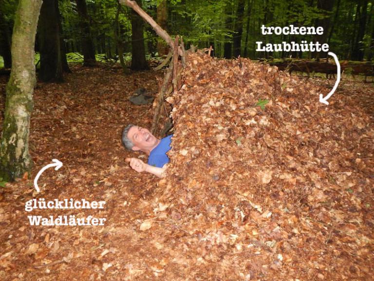 trockene Hütte, glücklicher Waldläufer